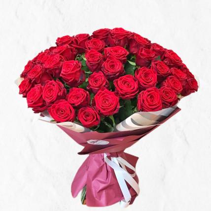 "Букет из 55 роз  "" Люблю """