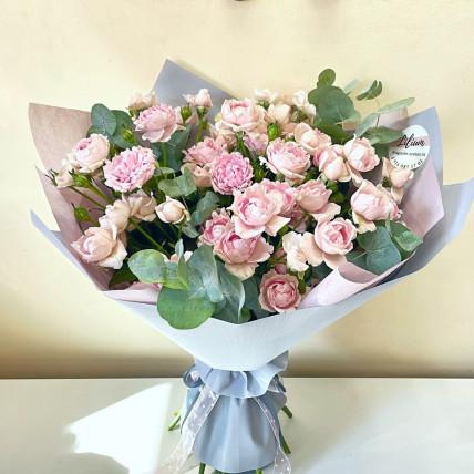 Букет из кустовых роз << Пудровое облачко >>