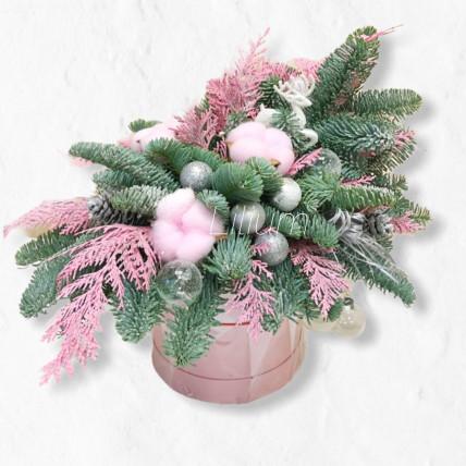 """Новогодняя композиция в коробке """" Розовые мечты"""""""