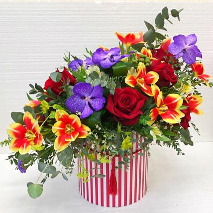 """Коробка с цветами """" Звездопад """""""