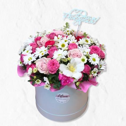 """Коробка цветов """" С днём рождения """""""