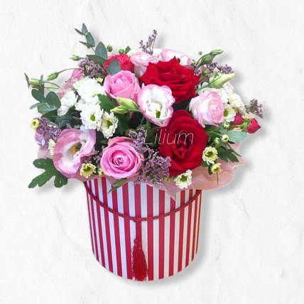"""Цветы в коробке """" Розовый бархат """""""