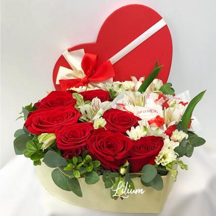 """Цветы в коробке """" Сладкое сердце"""""""