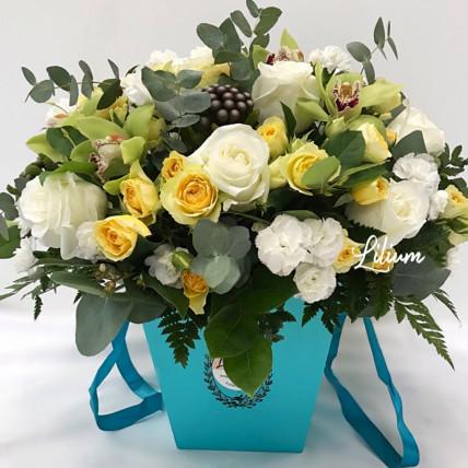 """Цветы в коробке """"Санторини"""""""