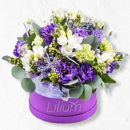 Коробка цветов с эустомой