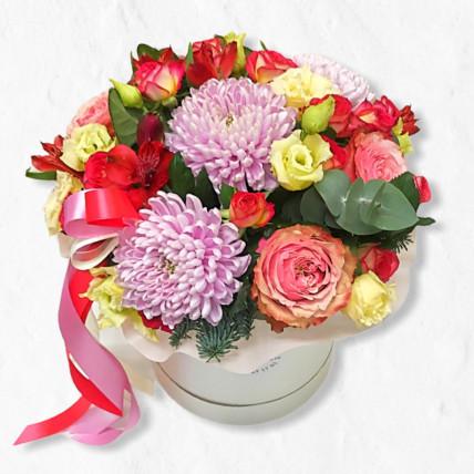 """Цветы в коробке """" Мы поздравляем """""""