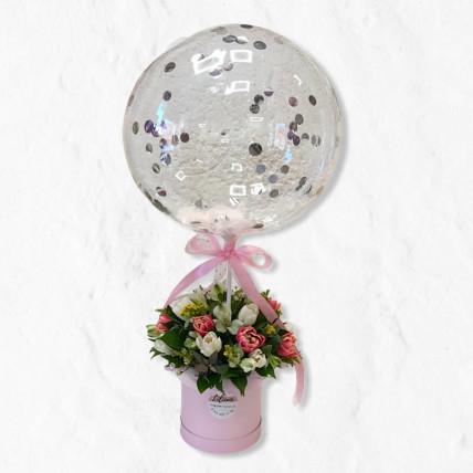 Коробочка тюльпанов с шариком.