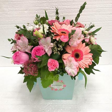 Коробка цветов с герберой