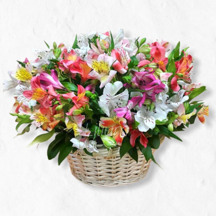 """Корзина цветов """" Воздушный поцелуй """""""