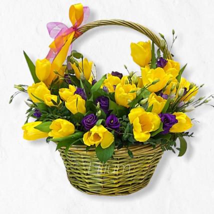"""Корзина цветов """" Золотая весна """""""