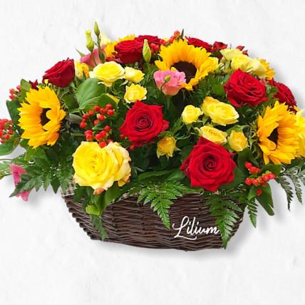 Корзина цветов с подсолнухами