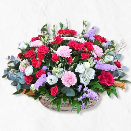 """Корзина цветов """" Малиновый вечер """""""