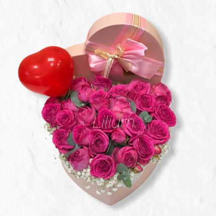 Сердце из пионовидных роз