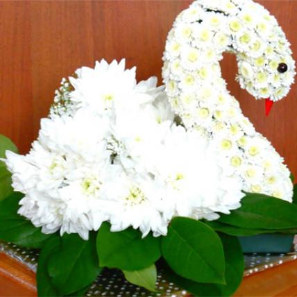 """Фигурка из цветов """"Белый лебедь"""""""